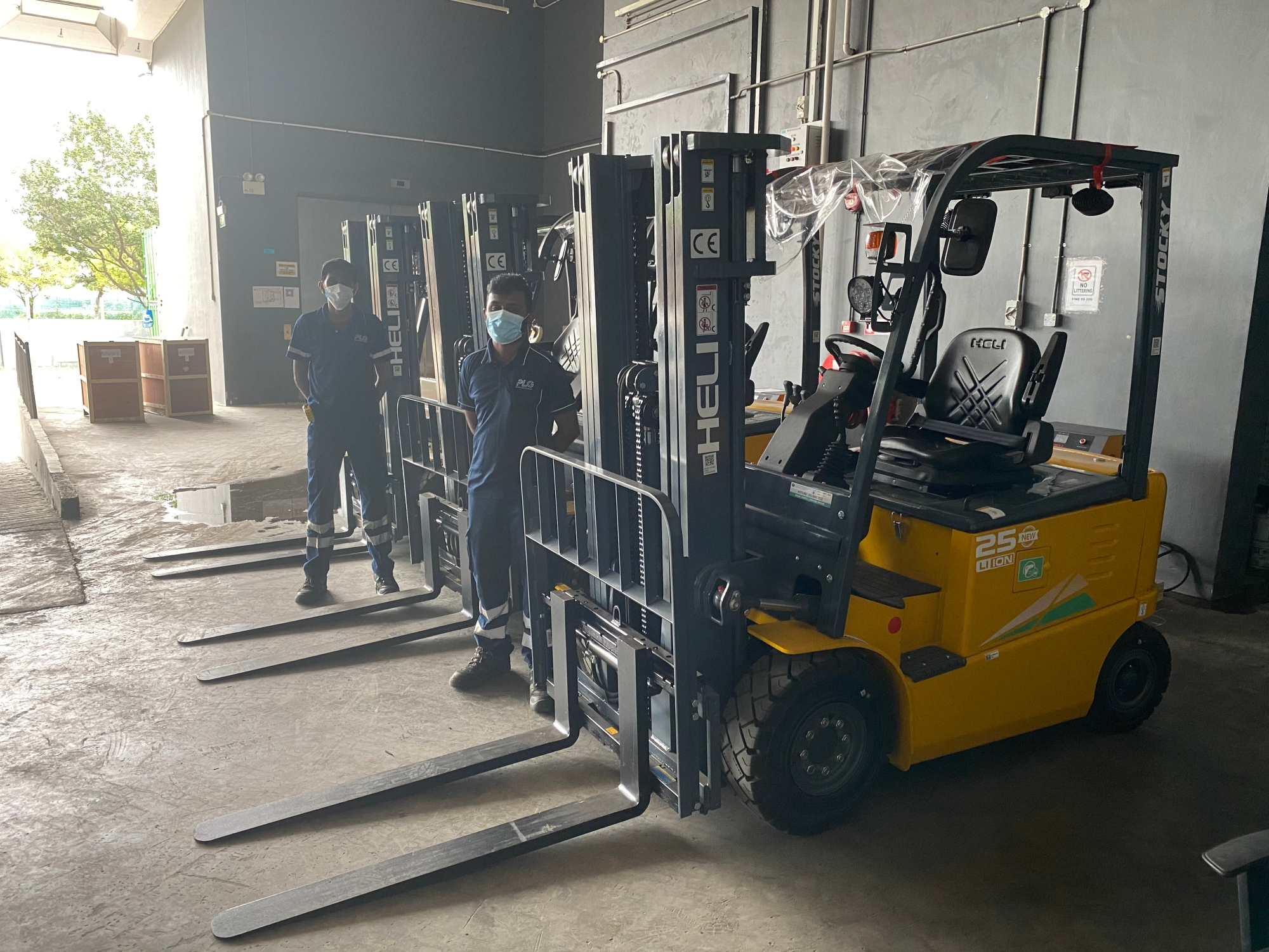 Yet another 3 units of Lithium Forklift delivered out